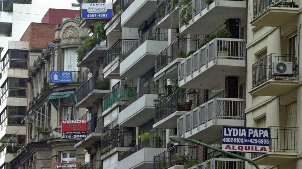 El Economista @El_Econ: Mercado inmobiliario: octubre fue el mejor mes del 2020 en la compraventa  https://t.co/Ubid8mWmyD https://t.co/NOSSrsbaK8