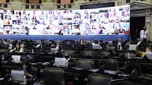 Télam @AgenciaTelam: Un plenario de comisiones de la Cámara de Diputados abrirá el martes próximo el debate sobre el proyecto de legalización del aborto y tiene previsto el viernes siguiente emitir los dictámenes que se discutirán en el recinto de sesiones en la primera quincena de diciembre https://t.co/JycRfYhP6J