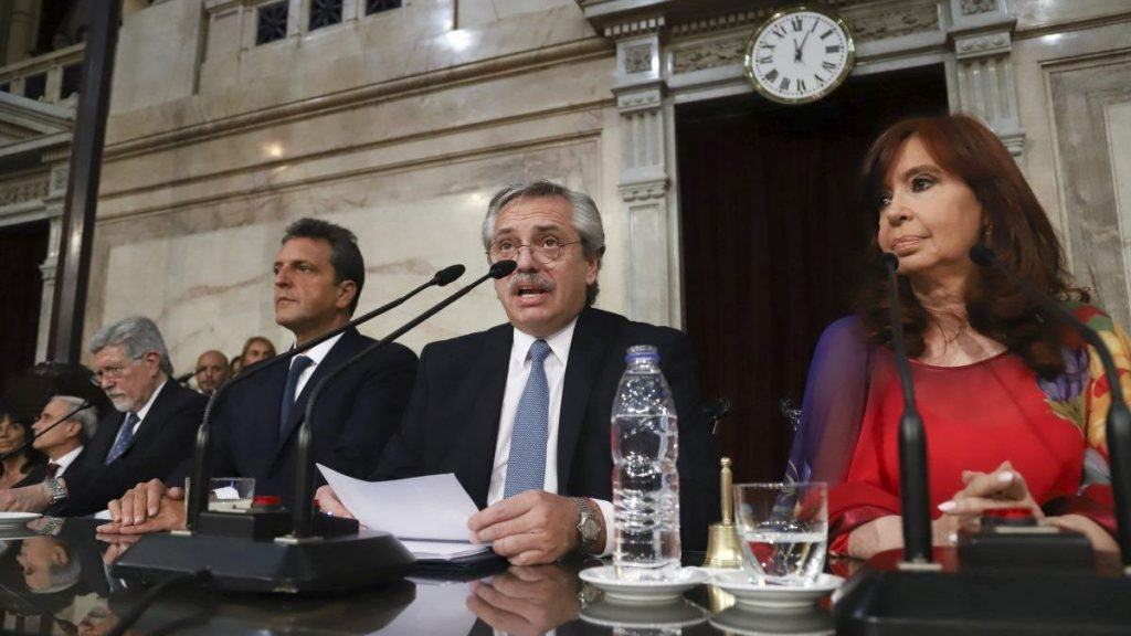 El Economista @El_Econ: Alberto Fernández inaugura el 139° período de sesiones ordinarias con detalles inéditos por la pandemia  https://t.co/djuo5N4Vg5 https://t.co/An2CUcLsrj